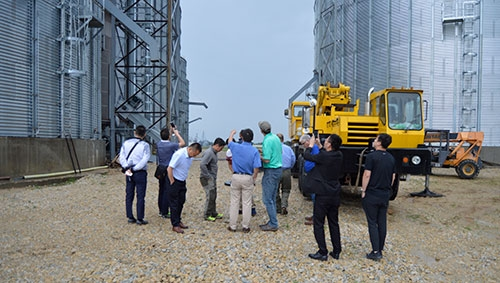 by Joe MosesA group of pork industry professionals from China visited the Waukon Feed Ranch Agronomy Center and the W&M Ag pork production...